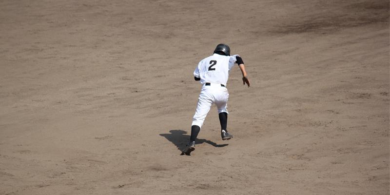 草野球はとりあえず盗塁する