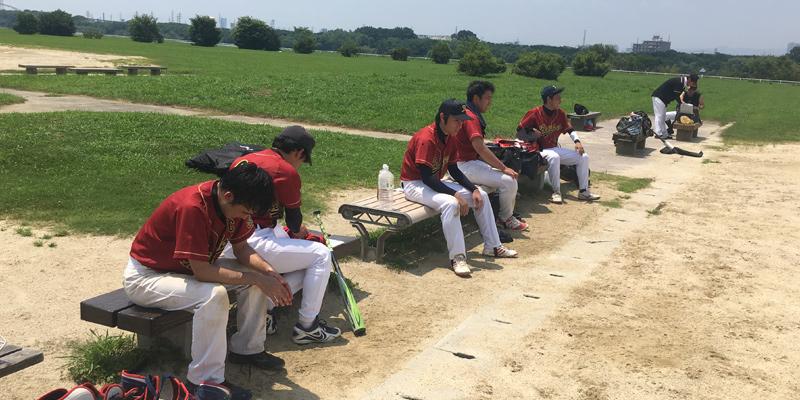 猛暑の影響で選手はバテバテ